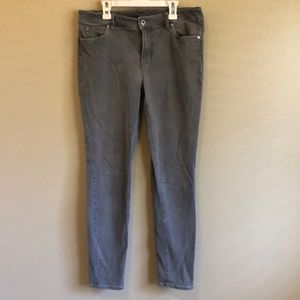 Two by Vince Camuto Gray Skinny Jeans